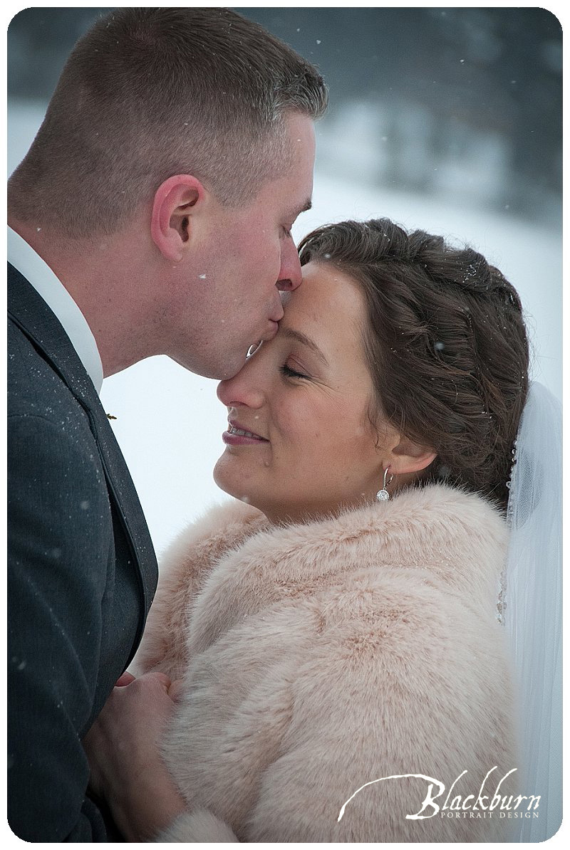 snowy-wedding-photos-lake-placid