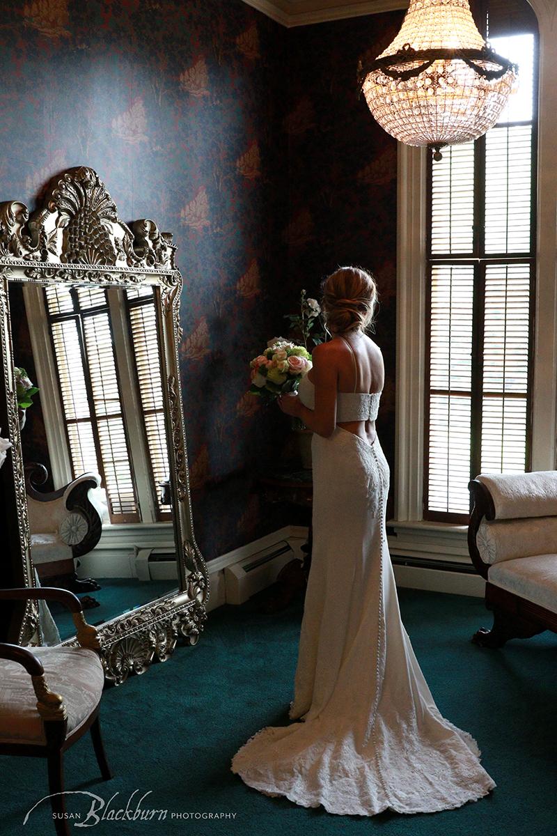 Wedding Photo Victorian Mansion Saratoga
