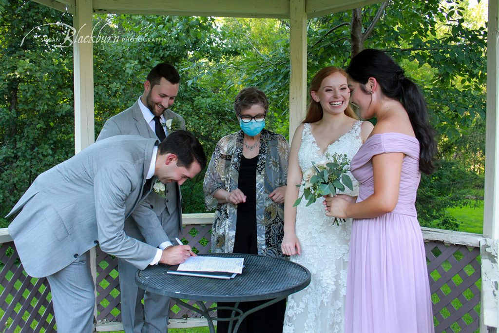 What Not To Forget On the Wedding Day